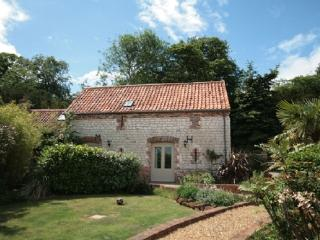 Bright Barn with Internet Access and Microwave - Hunstanton vacation rentals