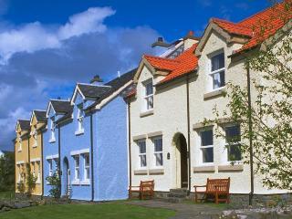 2 bedroom Cottage with Internet Access in Craobh Haven - Craobh Haven vacation rentals