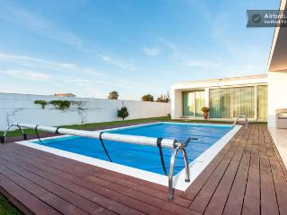 Studio in villa with pool - Aveiro vacation rentals