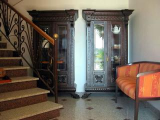 Lovely 3 bedroom B&B in Montepaone with A/C - Montepaone vacation rentals