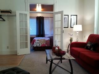 Cool Apartments in Lettered Streets Neighborhood - North Cascades Area vacation rentals