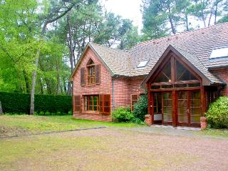 Les  Jumeaux Left Le Touquet - Sleeps up to 9 - Le Touquet vacation rentals