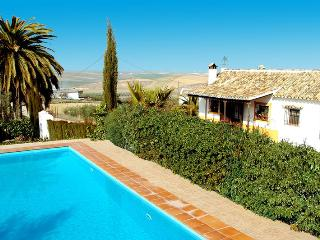 Lovely 3 bedroom Santaella Villa with Washing Machine - Santaella vacation rentals