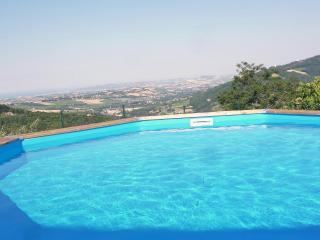 Silvana, una verde abitazione tra mare e monti - Rimini vacation rentals