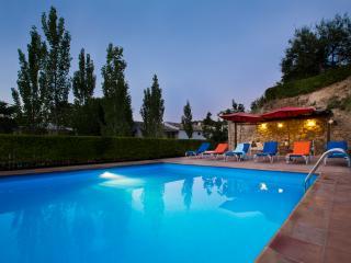 MOLINO ALBEJANAR, En pleno Corazón  de Andalucia, Piscina privada, Pueblos, Tradiciones, Culturas  y  tranquilidad - Montefrio vacation rentals