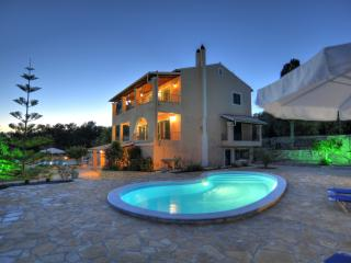 Comfortable 2 bedroom Gaios Villa with Internet Access - Gaios vacation rentals