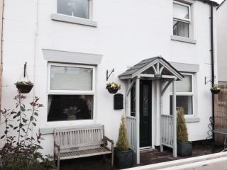 """Shrimpers Cottage""""Certificate of Excellence 2014"""" - Lytham Saint Anne's vacation rentals"""
