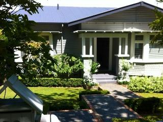 2 bedroom Apartment with Internet Access in Remuera - Remuera vacation rentals