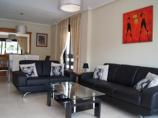 Nice 3 bedroom Apartment in Puerto José Banús - Puerto José Banús vacation rentals