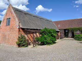 Nice 2 bedroom Potter Heigham Cottage with Television - Potter Heigham vacation rentals