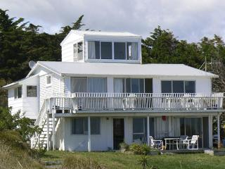 3 bedroom House with Internet Access in Ahipara - Ahipara vacation rentals