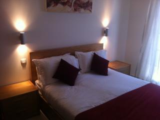 Stunning 2 Bed, Albufeira - Albufeira vacation rentals