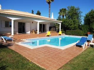 Casa Marecol (Alojamento Local 3002/AL) - Alvor vacation rentals