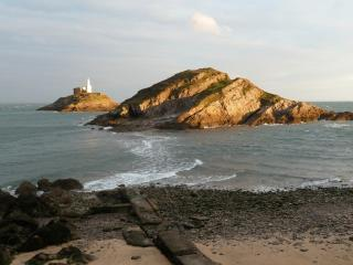 2 bedroom Cottage with Internet Access in Mumbles - Mumbles vacation rentals