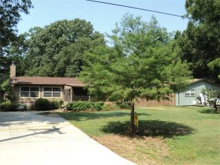 Beautiful Cottage on Lake Livingston Texas - Coldspring vacation rentals