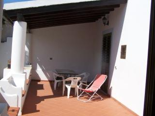 2 bedroom Villa with Water Views in Pianoconte - Pianoconte vacation rentals