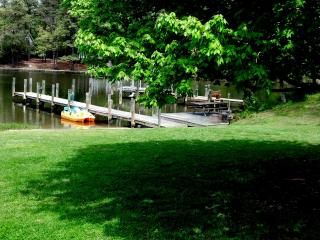 Stunning River Retreat - Dock - Hot Tub - Kayaks - Irvington vacation rentals