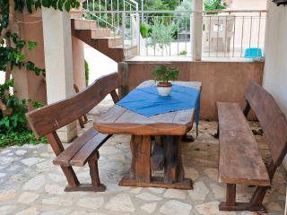 Bright apartment Cola V2 (3+2) - Novalja vacation rentals