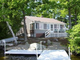Wonderful Winnipesaukee Waterfront Cottage! - Moultonborough vacation rentals