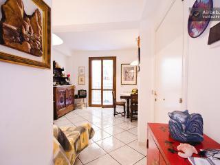 Beautiful 2 bedroom Apartment in Castelmola with Internet Access - Castelmola vacation rentals
