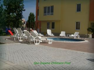 2 bedroom Condo with Shared Outdoor Pool in Sunny Beach - Sunny Beach vacation rentals