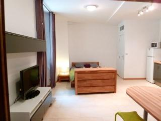 Fresh studio in Nice Old Town - Nice vacation rentals