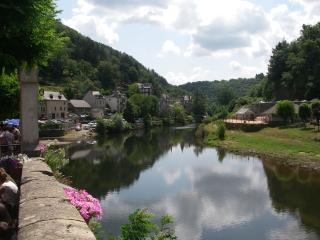 2 bedroom Townhouse with Internet Access in Estaing - Estaing vacation rentals