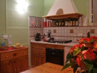 Bright 4 bedroom House in Montefalco with Internet Access - Montefalco vacation rentals