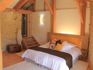 hollyoaks estate olivier - Uzes vacation rentals