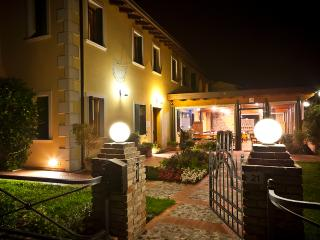 Comfortable Farmhouse Barn with Internet Access and Satellite Or Cable TV - Conegliano vacation rentals