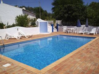Lovely Villa with Internet Access and A/C - Loule vacation rentals