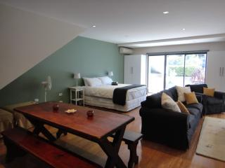 Justin-Time Studio - Leichhardt vacation rentals