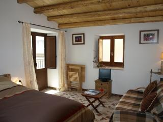 Gorgeous House with Washing Machine and Balcony - Caccamo vacation rentals