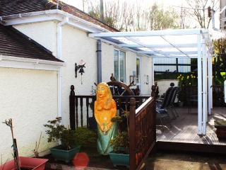 Perfect Lodge with Internet Access and Central Heating - Caerleon vacation rentals