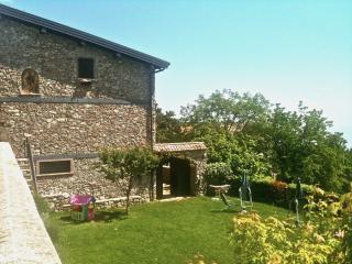 ANTICA CASCINA LIANO- GARGNANO - BILOCALE - Gargnano vacation rentals