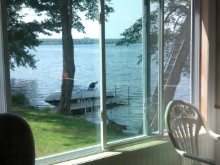The Perfect Lakehouse Rental, Montmouth, ME - Monmouth vacation rentals
