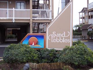 Oceanfront Vacation Complex...2 Pools - Carolina Beach vacation rentals