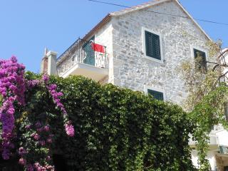 Perfect 1 bedroom Apartment in Cove Makarac (Milna) - Cove Makarac (Milna) vacation rentals