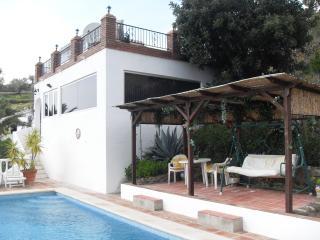 El Gino - Sayalonga vacation rentals