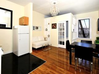 Stylish Apartment 3 Bedroom - Time Square - Manhattan vacation rentals