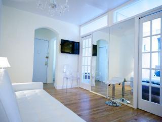Designer Trendy Location Residence - Manhattan vacation rentals