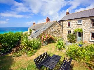 WHITE ROSE , traditional cornish cottage in an amazing location by the beach - Sennen vacation rentals