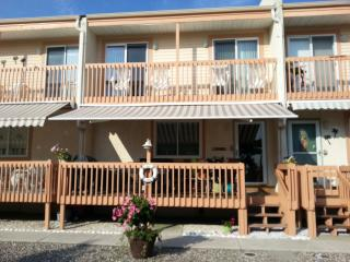 Clean Modern Condo Pool walk to Beach/Nightlife - North Wildwood vacation rentals