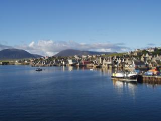 Perfect 3 bedroom Stromness Townhouse with Television - Stromness vacation rentals