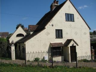 Lovely 1 bedroom House in Stansted Mountfitchet with Internet Access - Stansted Mountfitchet vacation rentals