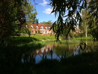 Cherry Blossom & Cotswold View - Stratford-upon-Avon vacation rentals