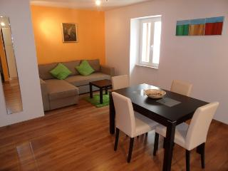 Casa Nova - apartment A4+1 - Rovinj vacation rentals
