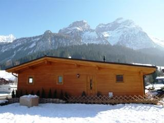 Charming Chalet with Internet Access and Central Heating - Zweisimmen vacation rentals