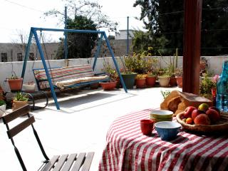 2 Bed Apt + Rooftop Jerusalem - Jerusalem vacation rentals