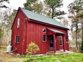 Charming Post & Beam near State Park and Pond - Orleans vacation rentals